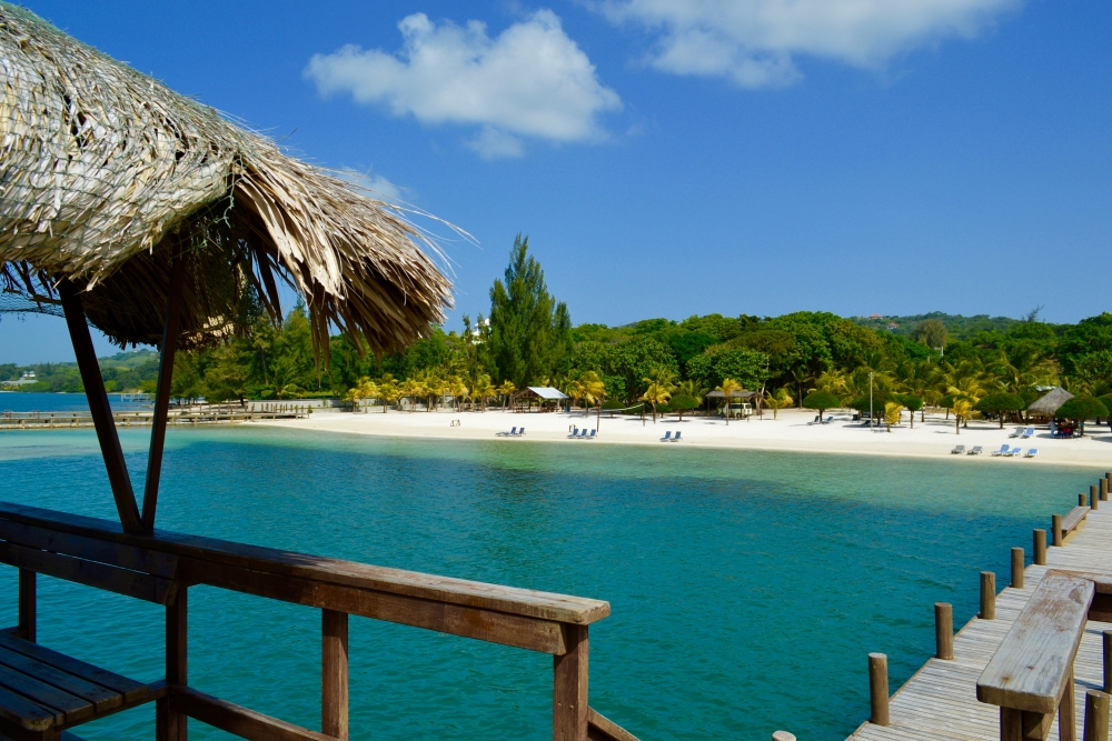 Beach Club Roatan | Caribbean Adventures Roatan - Tours, Diving
